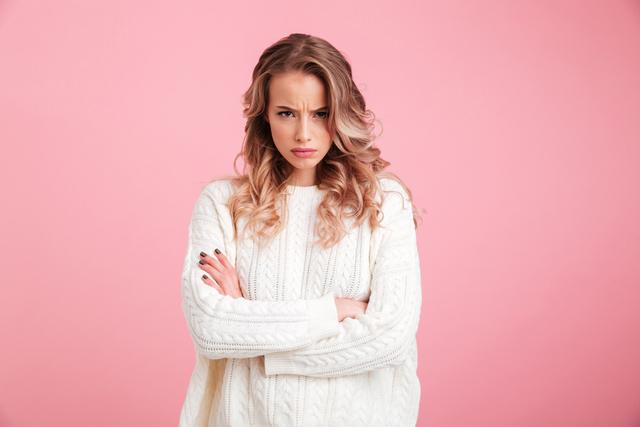 怒る 女性