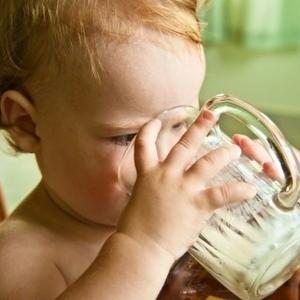初めての水分補給!赤ちゃんができる練習方法をマスターしましょ♪