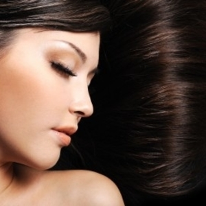 パサつき&退色…紫外線による髪のダメージは「オイルケア」で解消♡