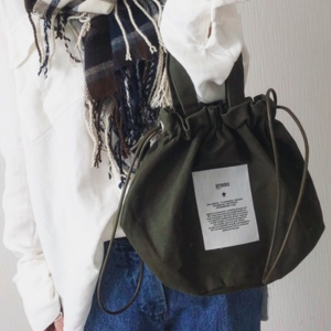 CONVERSEのバッグがおしゃれで万能♡大人カジュアルにぴったり!