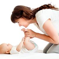 ママも赤ちゃんもハッピーに♡「ベビーマッサージ」を始める方法