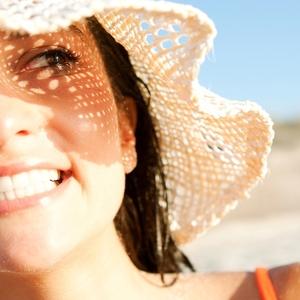 最近、笑っていますか?「笑顔」で美容&健康になれるんです!