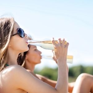 夏は意外と冷えやすい!じんわり温める《ペットボトル温灸》のススメ