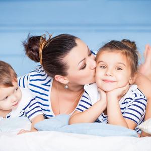 ライバル→協力関係へ♡兄弟仲にも影響する《幼少期の親の対応》4つ