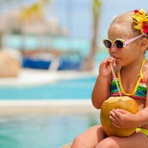 子供だって大人顔負け♡オシャレで可愛いkids水着4選をご紹介!