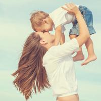 汗や紫外線。ママに伝えたい夏の肌トラブルから子どもを守る秘策