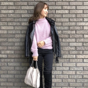 GU「990円ニット」に春カラーも登場♪寒くても暖かさを先取り!
