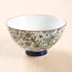 ニトリやIKEAはどんな柄?モダンでオシャレな人気の「お茶碗」