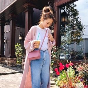 きれい色で女っぽさアップ♡春夏の華やかな《ママコーデ特集》