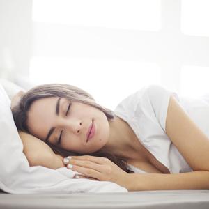 """こんなストレス解消法はNG!""""休日の寝だめは逆効果""""って本当?"""