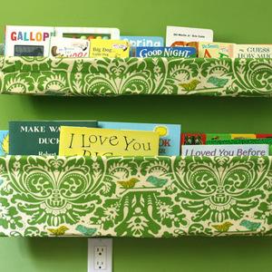 子どもが読書したくなる♡見せて収納するDIY本棚のアイディア