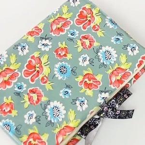 意外と簡単な布小物DIY♡お気に入りの布で作る「ブックカバー」