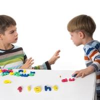 「おもちゃを貸してあげられない」そんな子に効く魔法の言葉とは
