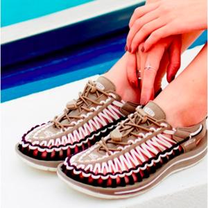 夏に大活躍!アウトドアメーカー「KEEN」の靴を履いてみて♪