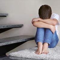 小学生の子供が「学校に行きたくない」と言ったら……どう対処すべき?