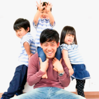 3児のパパ!サッカー選手・遠藤航さんのイクメン姿に胸キュン♪