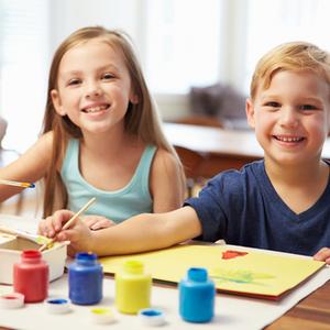 子どもの想像力を育てる!「絵画・陶芸」教室に通わせるメリットとは