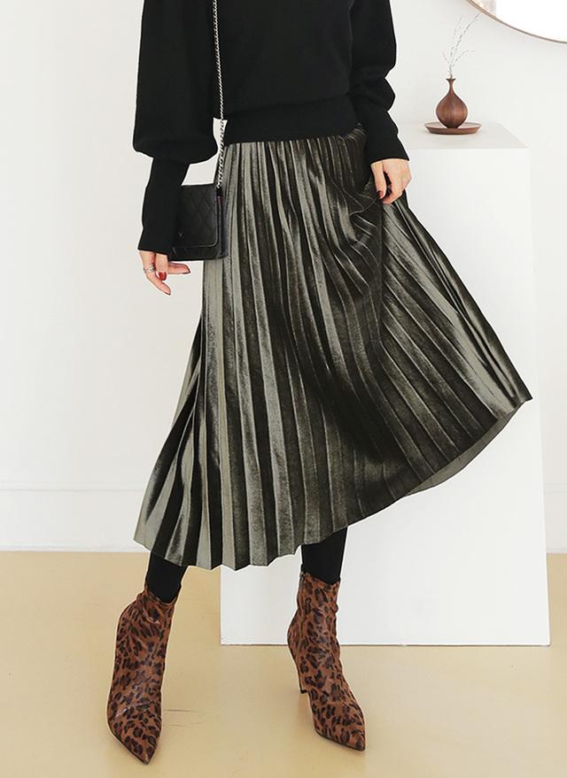 DHOLICのゴムベロアプリーツスカート