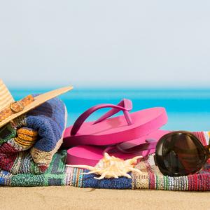 海を感じる足元に♡この夏履きたい!大人可愛いビーチサンダル特集