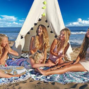世界中で大流行!この夏絶対に欲しいビーチアイテムを厳選♡