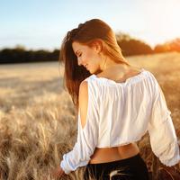 体臭にヒゲまで…頑張る女性に忍び寄る「オジサン化」を回避する方法