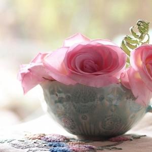 お花のある部屋で生活にハリを♡日常に彩りを添える切り花の楽しみ方