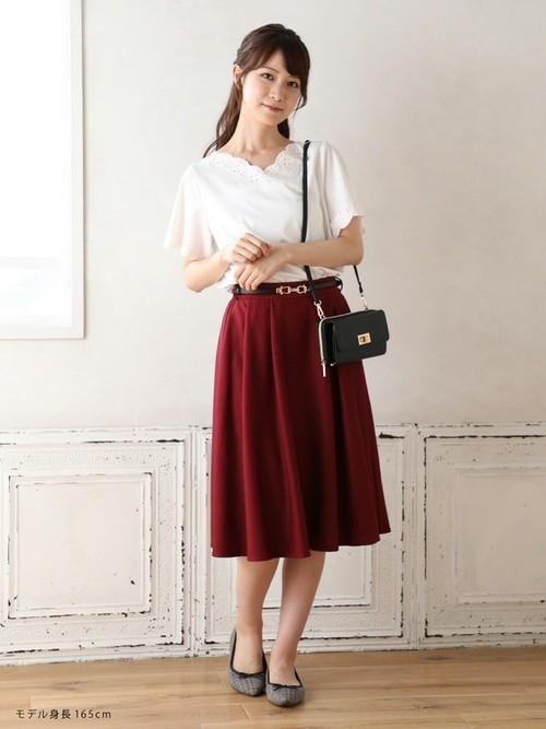 カラースカートのコーデ