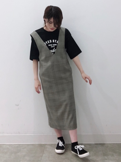 GUのジャンパースカートコーデ