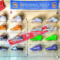 100均グッズで解決!かさばるスニーカー&ヒール靴の収納アイデア