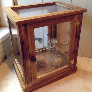 100均リメイク!ディスプレイBOXで作るガラス風飾り棚