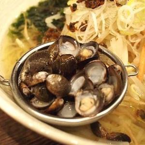 しじみ出汁が決め手♡〆まで美味しい「ピカ子鍋」のレシピ