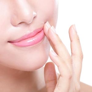 冬の乾燥したカサカサ唇にさようなら♡プルプル唇になれるリップ4選