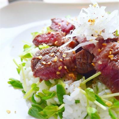 牛ステーキのサラダちらし寿司