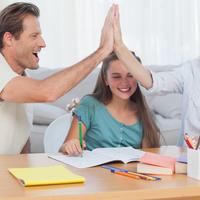 稱讚過頭是NG的行為?!容易造成反效果的「誇獎孩子方法」TOP 4