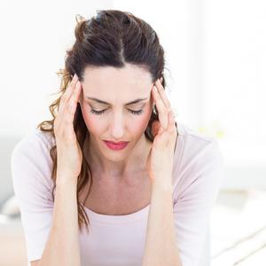 疲れやすい、肩こりがひどい……。これって更年期?症状セルフチェック!