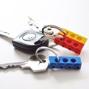 LEGOがインテリアに!?子供と作りたいオモシロ実用アイデア6つ