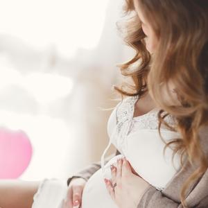 子どもの発達にも影響?産後うつ病についての知識と対策をチェック