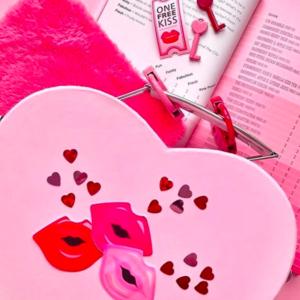 バレンタイン準備は、ハートで溢れる「フライングタイガー」にGO♡