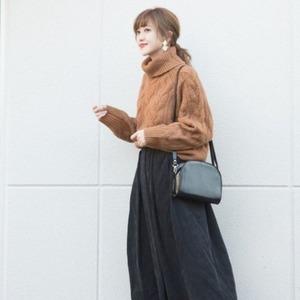 ミディスカートのトレンドコーデ6選♡秋冬はどう着こなす?