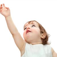 ベタベタのテレビはもうイヤ!子どもの「手垢」を防ぐ秘策&落とし方