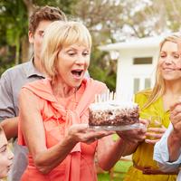 絶好の親孝行チャンス!《還暦》の意味とお祝いの方法