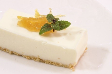 ママレードのレアチーズケーキ