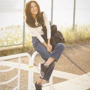 スニーカーコーデのお手本は中村アンさん♡ハンサムな着こなしが素敵