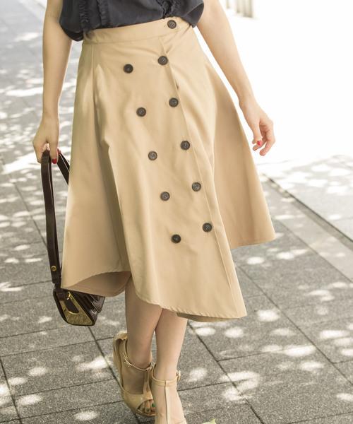 ダブルボタンのトレンチスカート