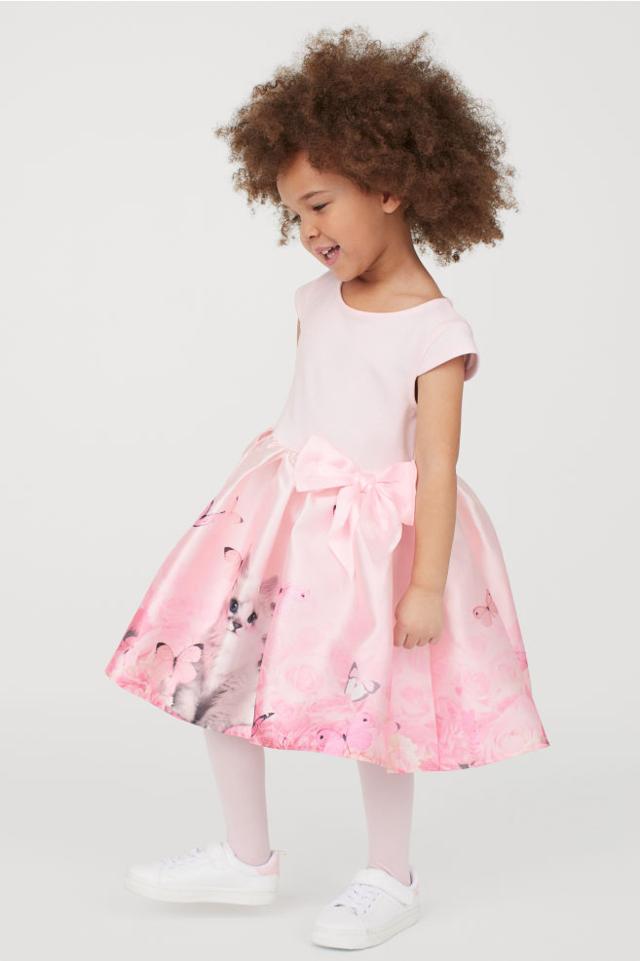H&Mのピンク色ワンピース