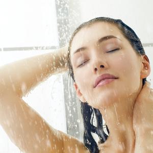 """""""朝シャワーは痩せる""""は本当?《メリットとデメリット》を比較♪"""