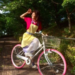 松岡茉優さんの愛され妻コーデが話題♡ドラマ「ウチの夫」着用アイテム