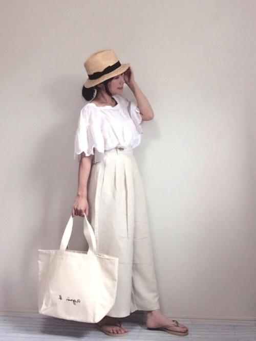 白ワイドパンツの夏コーデ