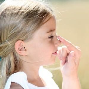 """""""カサカサ""""乳児湿疹が治らない……見直すべき子どもの肌荒れケア"""