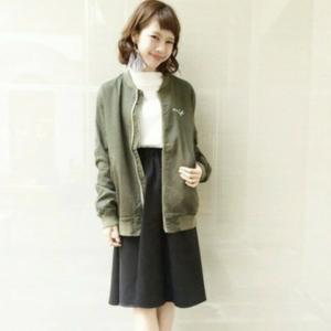 この冬も流行の「ミモレ丈スカート」♪相性の良いアウターってあるの?